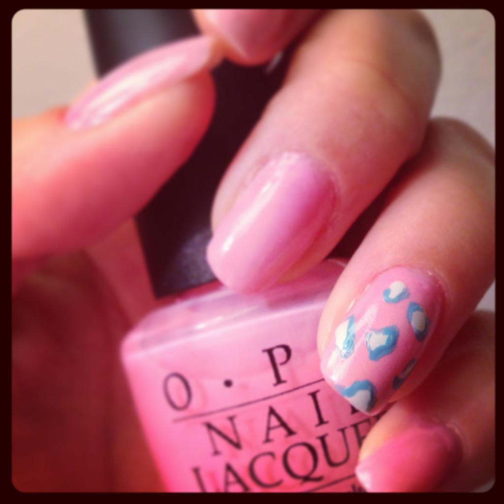 leopard-nails-pink-and-blue