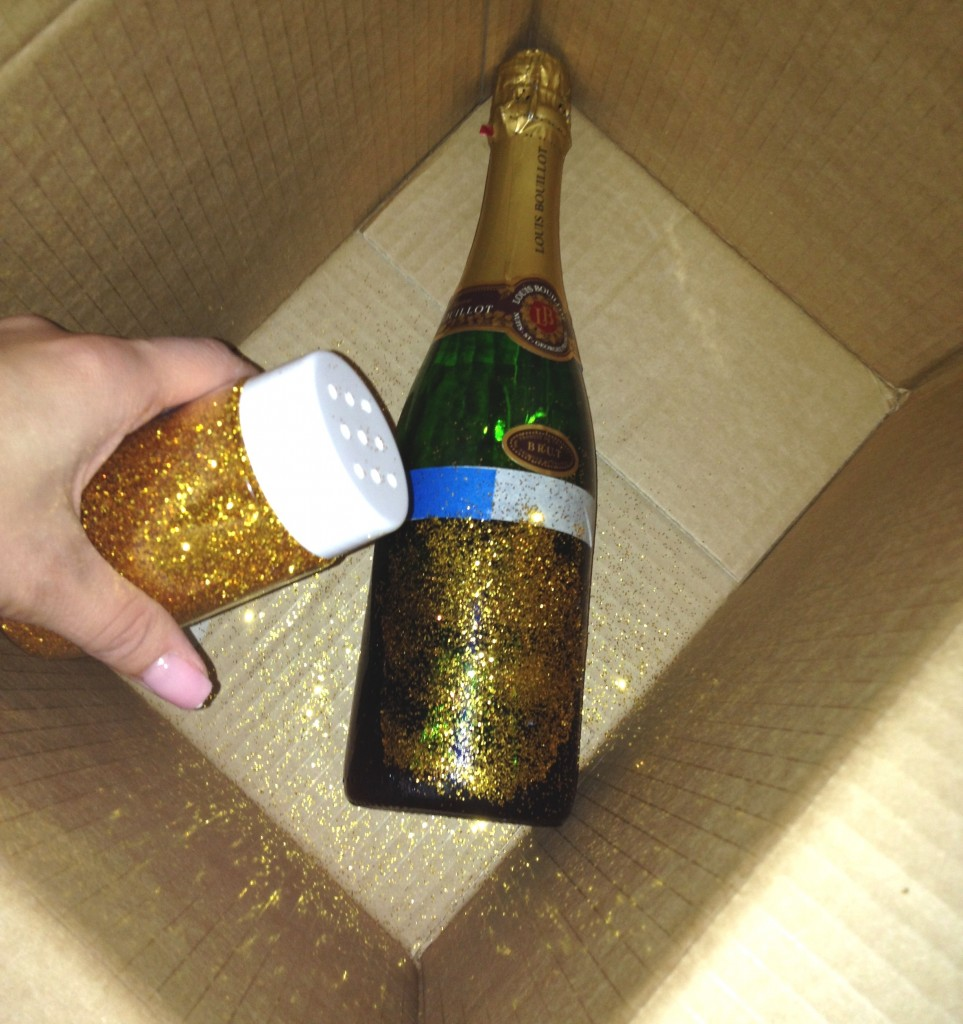 Decorate Champagne Bottle With Gold Handcraft By Grip